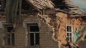 Costruzioni rovinate dopo la guerra archivi video