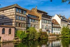 Costruzioni sopra il fiume malato a Strasburgo Fotografia Stock