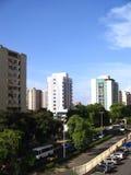 Costruzioni sul viale di Guayana, Puerto Ordaz, Venezuela Immagini Stock Libere da Diritti