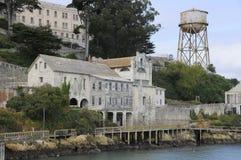 Costruzioni sull'isola di Alcatraz Immagini Stock