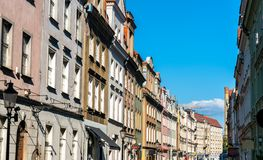 Costruzioni tipiche nel centro urbano di Poznan, Polonia fotografie stock