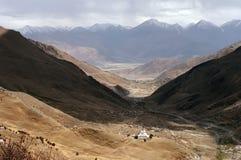 Costruzioni tradizionali tibetane Stupas immagini stock libere da diritti