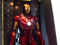Costume d'homme de fer d'armure endommagé Photographie stock