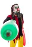 Costume de Halloween d'un clown rampant avec des ballons, d'isolement sur W images stock