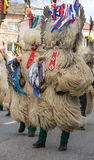 Costume traditionnel de carnaval annuel de Cerknica en Slovénie Photographie stock libre de droits