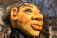 Costume traditionnel de carnaval annuel de Cerknica en Slovénie Photos stock