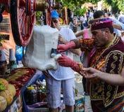 Costumed vendors  ice cream i Royalty Free Stock Photos