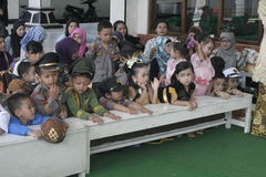 COSTUMES CHILDREN IN DAY CELEBRATION KARTINI Royalty Free Stock Photos