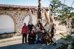 Costumes tradicionais do inverno com máscaras em Bulgária Imagens de Stock Royalty Free