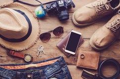 Costumi degli accessori di viaggio I passaporti, bagagli, il costo del viaggio hanno preparato per il viaggio Fotografia Stock