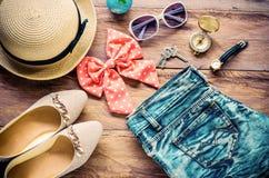 Costumi degli accessori di viaggio Passaporti, accessori per il viaggio Fotografia Stock Libera da Diritti