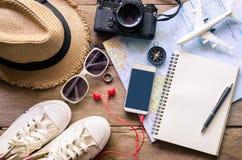 Costumi degli accessori di viaggio Passaporti, bagagli Fotografia Stock Libera da Diritti