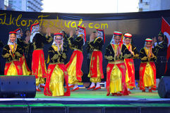 Costumi luminosi dei ballerini femminili turchi Immagini Stock