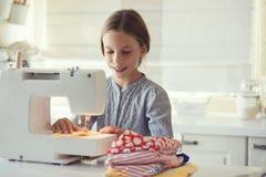 Costura da criança Fotografia de Stock Royalty Free