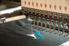 Costura de la máquina del bordado Imagenes de archivo