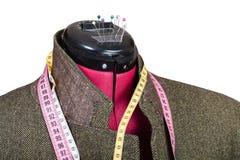 Costura do revestimento de mistura de lã do homem no manequim Imagem de Stock