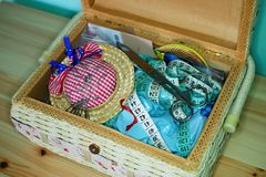 Costura en una caja Imágenes de archivo libres de regalías