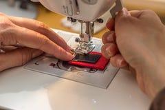 Costura y el hacer a mano Imagenes de archivo