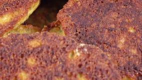 Cotoletta della frittura dal caviale stock footage