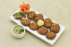 Cotolette fritte cereale della Tikki-patata del cereale di Aloo Fotografia Stock Libera da Diritti