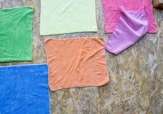 Coton sale sur le plancher en bois Image stock