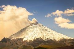 Cotopaxi Volcano Day Eruption immagini stock