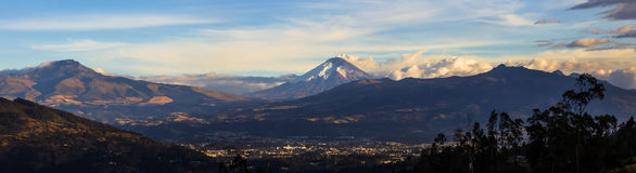 Cotopaxi wulkanu erupcja fotografia stock