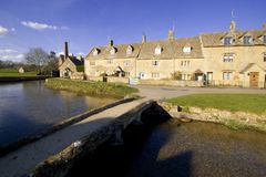 cotswolds眼睛gloucestershire更低的河屠杀村庄 库存照片