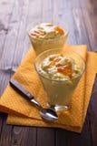 Cotta de Panna avec des oranges Photographie stock