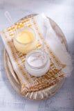 Cotta del panna del coco y kurd del limón Fotos de archivo libres de regalías