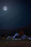 Cottage in alpi fotografia stock libera da diritti
