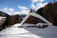 Cottage alpino in inverno Fotografia Stock Libera da Diritti