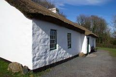 Cottage blanc Photo libre de droits