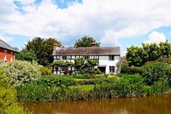 Cottage à côté de rivière, Eardisland Photo stock