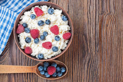Cottage cheese with berries royalty free stock photos