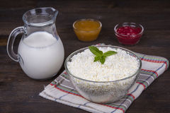 Cottage cheese and milk on the table Stock Photography
