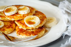 Cottage cheese pancakes with caramel Royalty Free Stock Images