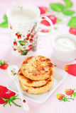 Cottage cheese pancakes with goji berries Stock Images