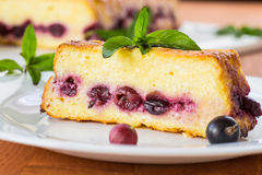 Free Cottage Cheese Pie With Berries Royalty Free Stock Photography - 32316047