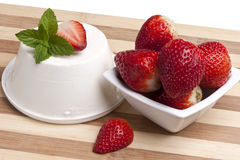 Cottage cheese and strawberries Royalty Free Stock Photos