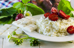 Cottage cheese with strawberries Royalty Free Stock Photography