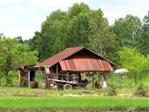 Cottage costruito diversamente - degli agricoltori tailandesi Immagini Stock