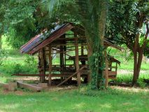 Cottage costruito diversamente - degli agricoltori tailandesi Fotografie Stock Libere da Diritti