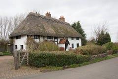 Cottage couvert de chaume dans Borden Kent photo libre de droits