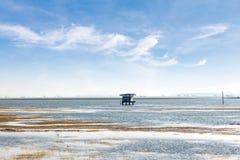 Cottage dans le lac Photos libres de droits