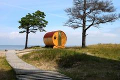 Cottage de baril avec la vue de mer Image stock