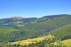 Cottage de Jeleni, montagnes géantes (Tchèque : Krkonose), Riesengebirge, Tchèque, Polannd Photo stock