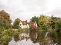 Cottage de lotts de Willy dans le moulin de flatford pendant l'automne aucune personnes Image stock