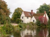 Cottage de lotts de Willy dans le moulin de flatford pendant l'automne aucune personnes Image libre de droits