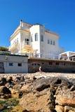 Cottage de week-end par la mer Photos stock